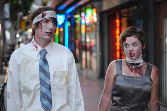 Zombie_couple_4